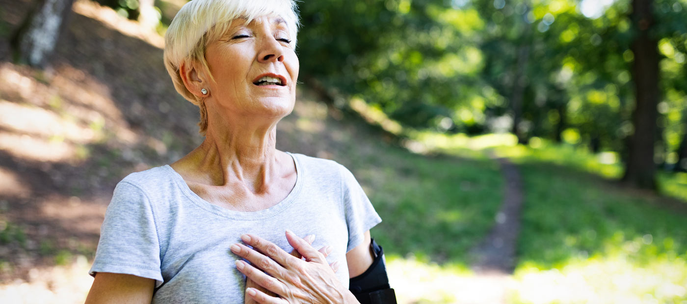 femme mature faisant de l'exercise